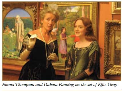Emma-Thompson-and-Dakota-Fanning-on-the-set-of-Efἀe-Gray